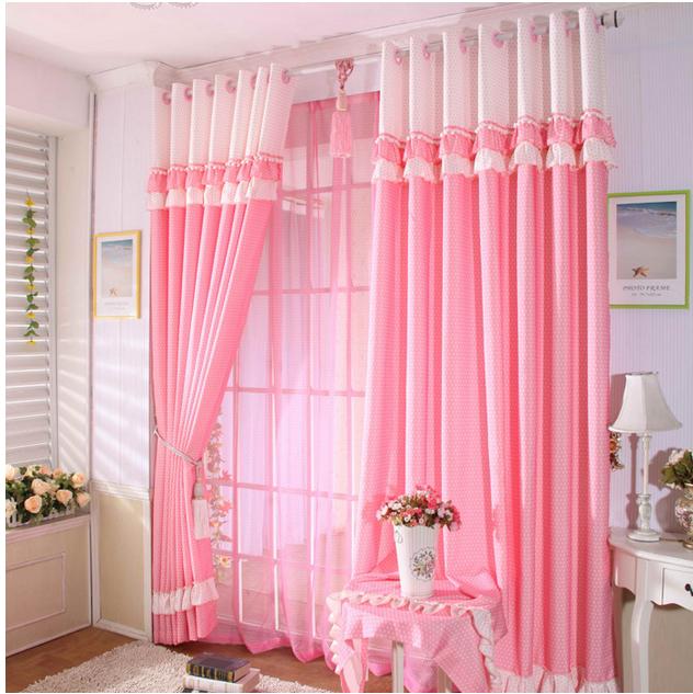 rèm cửa màu hồng