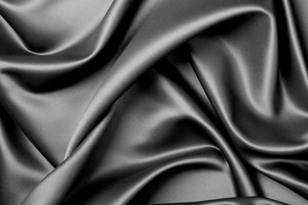May rèm cửa bằng vải lụa