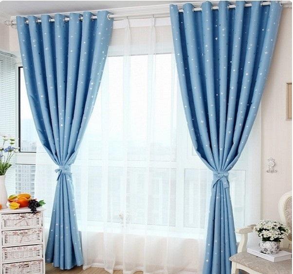 Rèm cửa 2 lớp 2 màu thanh nhã. Lớp vải dày được làm từ vải cotton còn lớp vải mỏng trắng được làm từ vải voan mềm