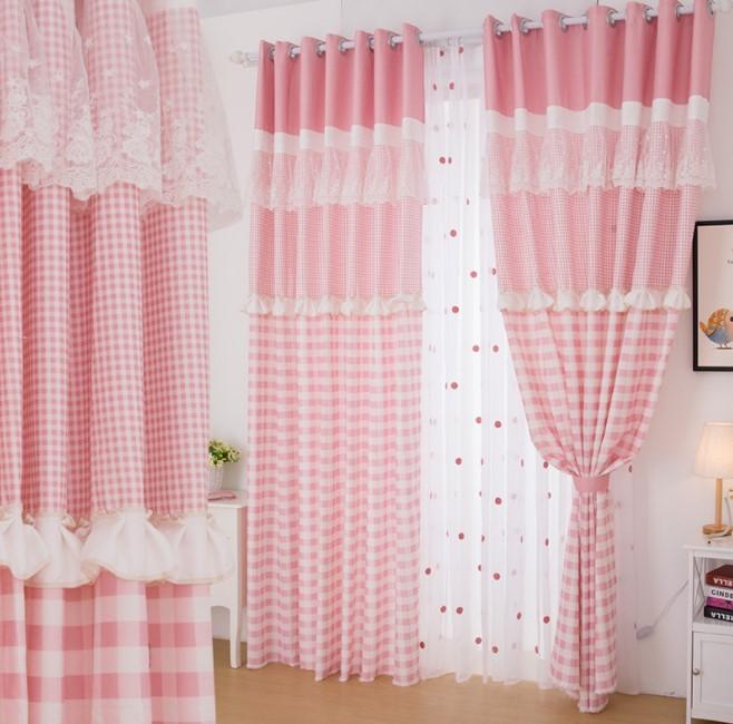 Rèm cửa sổ dễ thương sọc hồng và trắng