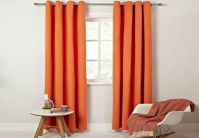 Rèm màu cam ấn tượng, đơn giản nhưng mang đến vẻ đẹp cá tính cho căn phòng của bạn