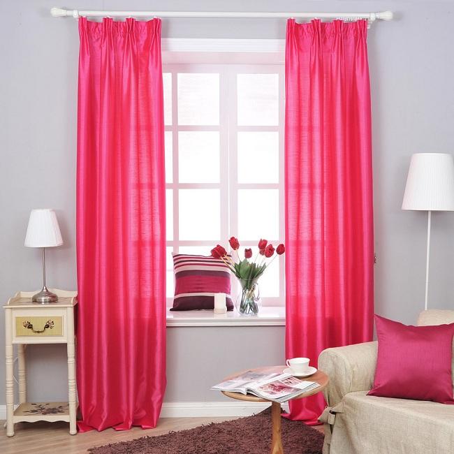 Rèm cửa làm từ vải voan lụa màu hồng