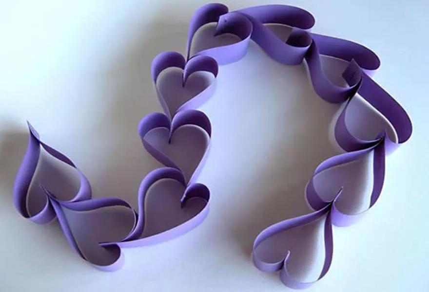 Tạo hình trái tim, hoa hay móc xích,... để làm rèm