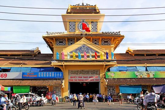 Chợ Lớn là một điểm mua vải sỉ lẻ nổi tiếng tại TP.HCM