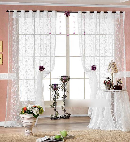 Rèm cửa sổ với chất liệu voan đẹp và đơn giản, mang đến cho không gian sự nhẹ nhàng, nữ tính