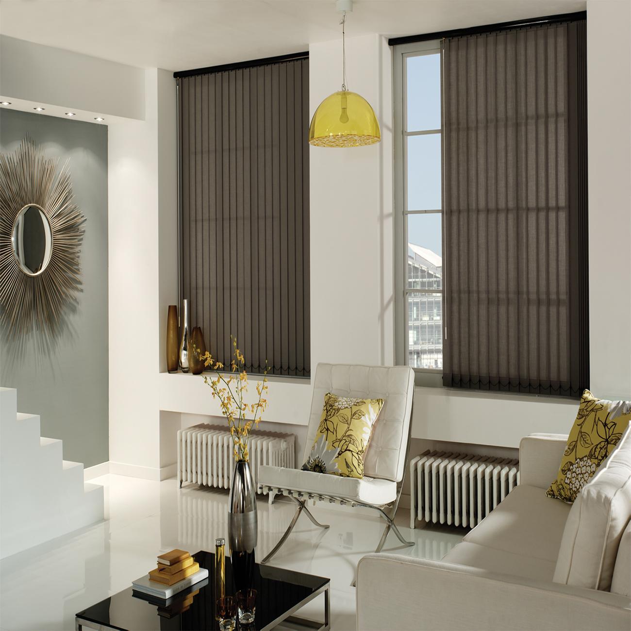 Rèm cửa sổ loại lá dọc cho phòng khách cực kỳ tiện dụng